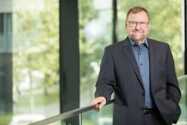 Portrait photo Dr. Andreas Kicherer