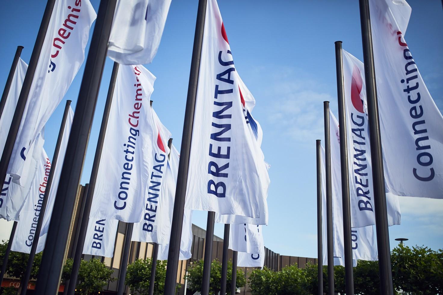 Brenntag_Flags